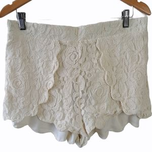 Pins and Needles UO Lace Shorts Cream White S…